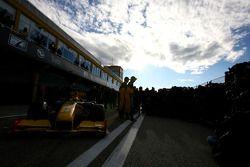 Robert Kubica, Renault F1 Team; Vitaly Petrov, Renault F1 Team