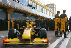 Vitaly Petrov, Renault F1 Team; Robert Kubica, Renault F1 Team