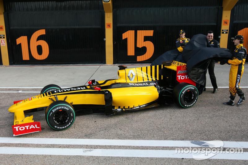 Robert Kubica, Renault F1 Team, Vitaly Petrov, Renault F1 Team et Eric Boullier, Team Principal, Renault F1 Team