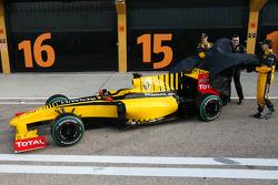 Robert Kubica, Renault F1 Team, Vitaly Petrov, Renault F1 Team and Eric Boullier, Team Principal, Renault F1 Team