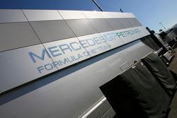 Mercedes GP tırı