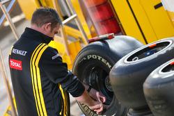 Renault mechanic