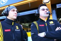 Vitaly Petrov, Renault F1 Team ve Eric Boullier, Takım Patronu, Renault F1 Team