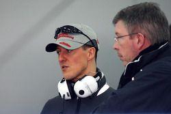 Michael Schumacher, Mercedes GP, und Ross Brawn, Mercedes GP, Teamchef