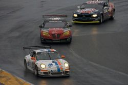 #20 Matt Connolly Motorsports Porsche GT3: Christophe Lapierre, Jos Menten, Markus Palttala, Oskar Slingerlet, #46 Autohaus Motorsports Pontiac GXP.R: Peter Collins, Romain Ianetta, Shane Lewis, Richard Zahn