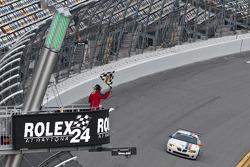 #21 Matt Connolly Motorsports Pontiac GTO.R: Mauro Casedei, Gabrio Rosa takes the checkered flag