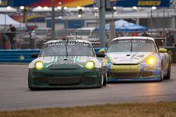 #44 Magnus Racing Porsche GT3: Jeroen Bleekemolen, Richard Lietz, John Potter, Craig Stanton #14 Aut