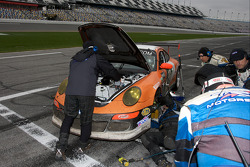 Pit stop for #71 TRG Porsche GT3: Timo Bernhard, Romain Dumas, Tim George Jr., Bobby Labonte, Spencer Pumpelly