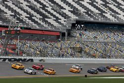 GS start: #15 Multimatic Motorsports Mustang Boss 302R: Joe Foster, Scott Maxwell en #46 Fall-Line M