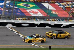 #66 Riley Mazda, #5 TPN/Blackforest Racing Dodge Challenger: Ian James, Tom Nastasi