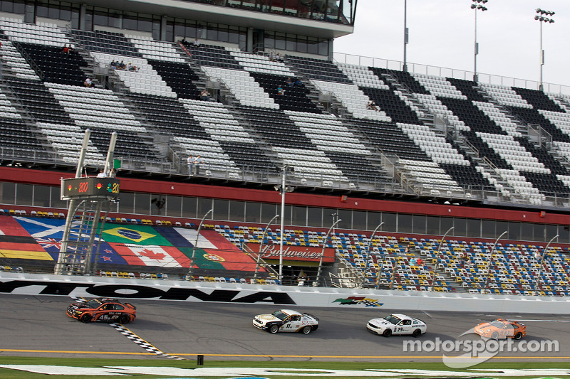 Herstart: #45 Fall-Line Motorsports BMW M3 Coupe: Terry Borcheller, Andrew Hendricks aan de leiding