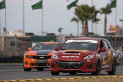 #43 Team Sahlen Mazda Speed 3: Will Nonnamaker, Joe Sahlen