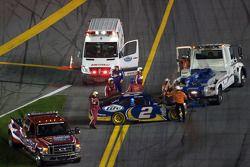 El Dodge de Kurt Busch, Penske Racing tras el accidente