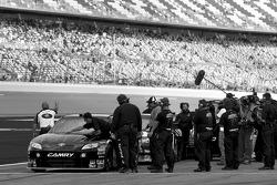 Robby Gordon, Robby Gordon Motorsports Toyota ready to qualify