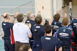 iSport International team viert overwinning Oliver Turvey