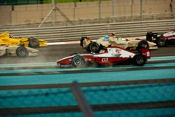 Sam Bird spint na botsing met Sergio Perez