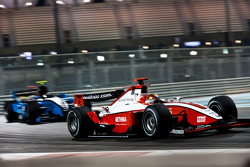 Jules Bianchi supera a Fabio Leimer