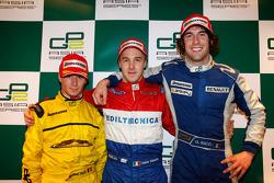 Davide Valsecchi celebra en el podio con Michael Herck