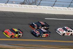 Jeff Gordon, Hendrick Motorsports Chevrolet, Brian Vickers, Red Bull Racing Team Toyota, Denny Hamli