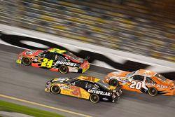 Jeff Gordon, Hendrick Motorsports Chevrolet, Jeff Burton, Richard Childress Racing Chevrolet, Joey L