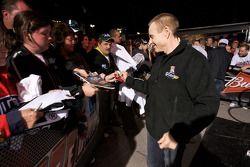 Mark Martin, Hendrick Motorsports Chevrolet firma autógrafos