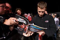 Kasey Kahne, Richard Petty Motorsports Ford firma autógrafos