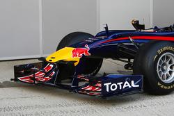 El nuevo Red Bull RB6, alerón frontal y cono de nariz