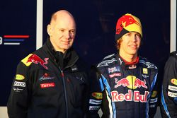 Adrian Newey, Red Bull Racing, Director de operaciones técnicas y Sebastian Vettel, Red Bull Racing