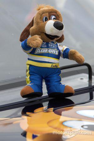 Mascota en el Toyota Michael Waltrip Racing de David Reutimann