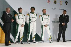 Mike Gascoyne, Lotus F1 Racing Chief Technical Officer, Jarno Trulli, Fairuz Fauzy, Heikki Kovalaine
