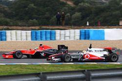 Лукас ди Грасси, Virgin Racing VR-01 и Льюис Хэмилтон, McLaren Mercedes