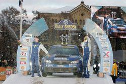 Podium: Patrick Flodin en Goran Bergsten, Subaru Impreza