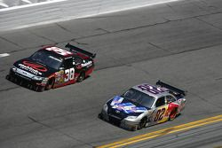 Scott Speed, Red Bull Racing Team Toyota, Robert Richardson Jr., Front Row Motorsports con Yates Rac