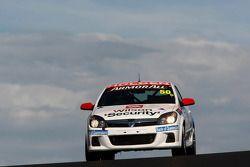 #50 Racer Industries, Holden Astra SR-I Turbo: Gerard McLeod, Peter McLeod, Ryan McLeod