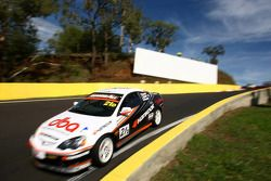 #21 Hankook Competition Australia / DBA, Honda Integra S: Terry Conroy, Gerry Burgess, Leanne Teter