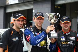 Theo Koundouris, Steve Owen et James Koundouris take polemen des 12 heures de Bathurst 2010