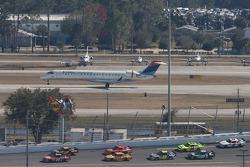 Tony Stewart, Stewart-Haas Racing Chevrolet en Elliott Sadler, Richard Petty Motorsports Ford