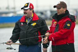 Jaime McMurray participa en el cuarto torneo anual de pesca Hot Rods and Reels de Darrell Gwynn en L