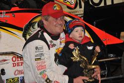 Steve Kinser with grandson, Kash, son of Kraig Kinser