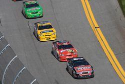 Greg Biffle, Tony Stewart, Dale Earnhardt Jr. y Kyle Busch