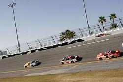 Dale Earnhardt Jr., Kevin Harvick y Tony Stewart