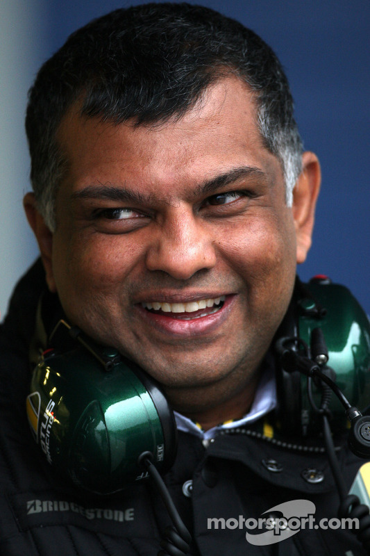 Tony Fernandes, Lotus F1 Team, teambaas