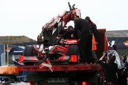 Timo Glock, Virgin Racing VR-01, in de pits