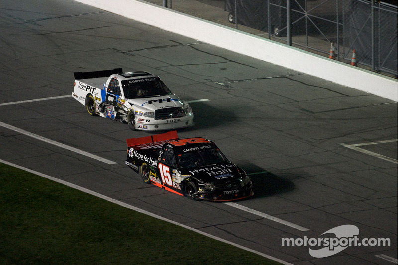 Ted Musgrave and Justin Lofton with damage on pit road