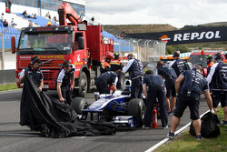 Nico Hulkenberg, Williams F1 Team, stops on circuit