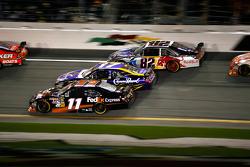 Denny Hamlin, Joe Gibbs Racing Toyota, Matt Kenseth, Roush Fenway Racing Ford en Ken Schrader, Red Bull Racing Team Toyota