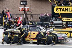 Pitstop Elliott Sadler, Richard Petty Motorsports Ford
