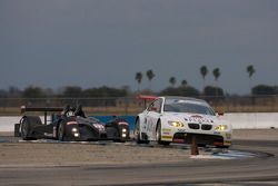 #92 BMW Rahal Letterman Racing Team BMW E92 M3: Bill Auberlen, Tom Milner et #11 Primetime Race Grou