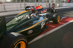 Ярно Трулли, Lotus F1 Team и Себастьян Феттель, Red Bull Racing