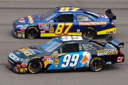 Carl Edwards, Roush Fenway Racing Ford et Joe Nemechek, NEMCO Motorsports Toyota